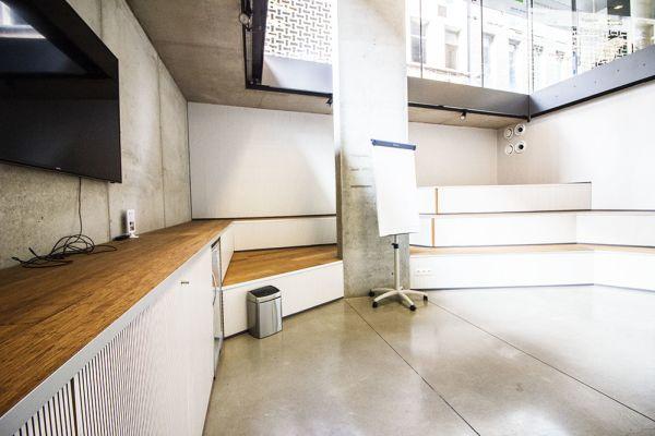 Photo d'une salle à louer à Antwerp, Anvers, Dans la galerie de Klara 1214