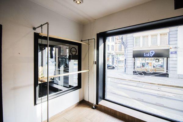 Photo d'une salle à louer à Saint-Gilles, Bruxelles, Dans le magasin de Nathan 5892