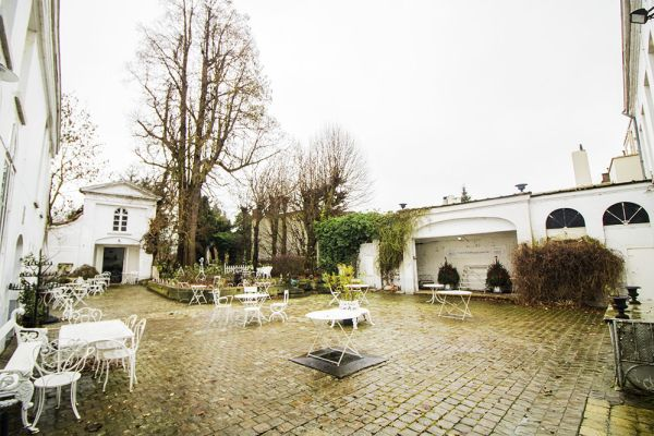 Picture of an event venue rental in Bevere, East Flanders, Inside Julien & Lena's Tea Room 6083