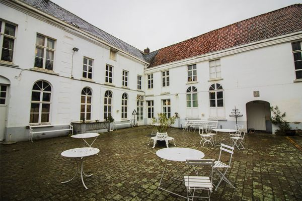Picture of an event venue rental in Bevere, East Flanders, Inside Julien & Lena's Tea Room 6088