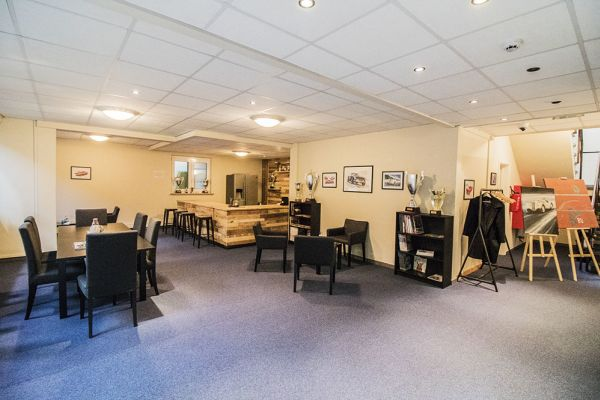 Photo d'une salle à louer à Braine-le-Château, Brabant Wallon, Dans l'entrepôt & le studio de Franck 6505