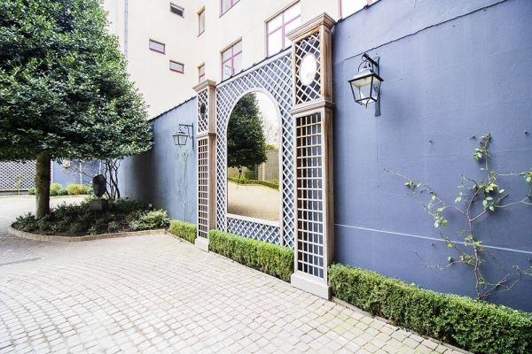 Picture of an event venue rental in Elsene, Brussels, Inside the courtyard of the Maison Degand 7908