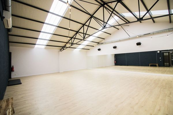 Picture of an event venue rental in Rhode-Saint-Genèse, Flemish Brabant, Inside Alexis' dance studio 9059