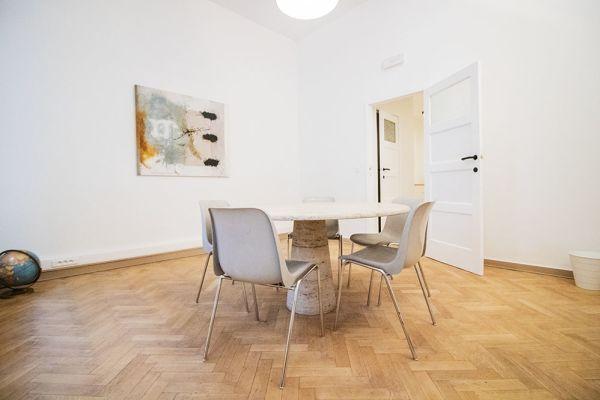 Photo d'une salle à louer à Elsene, Bruxelles, Dans l'atelier de Lou 9374