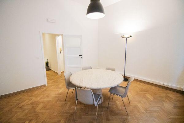 Photo d'une salle à louer à Elsene, Bruxelles, Dans l'atelier de Lou 9375