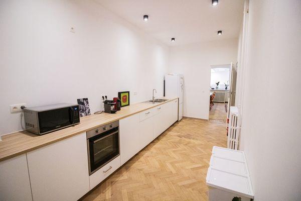 Photo d'une salle à louer à Elsene, Bruxelles, Dans l'atelier de Lou 9376