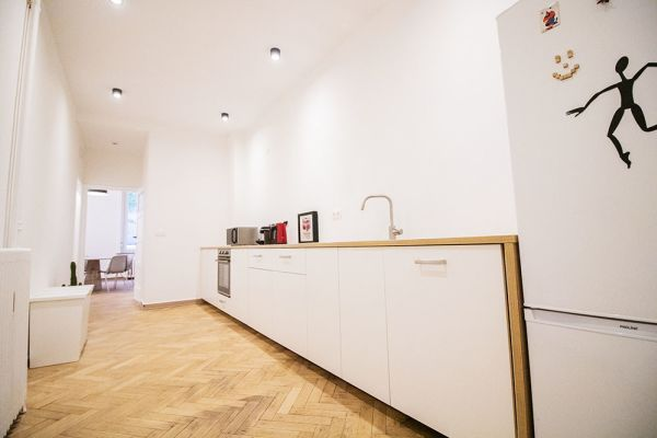 Photo d'une salle à louer à Elsene, Bruxelles, Dans l'atelier de Lou 9377
