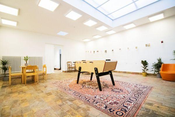 Photo d'une salle à louer à Elsene, Bruxelles, Dans l'atelier de Lou 9381