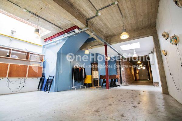 Photo d'une salle à louer à Schaarbeek, Bruxelles, Dans l'entrepôt de Youmat 10508