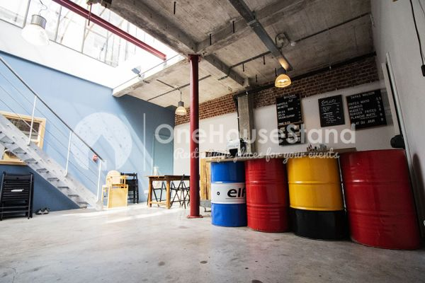 Feestzaal verhuren in Schaarbeek, Brussel, In de opslagruimte van Youmat 10524
