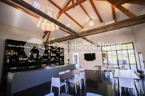 Picture of an event venue rental in Wambeek, Flemish Brabant, Inside Patricia's barn 10738