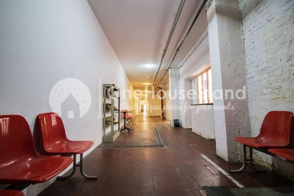 Photo d'une salle à louer à Molenbeek-Saint-Jean, Bruxelles, Dans l'entrepôt de Pierre - Salle 1 + Salle 2 + Le bar 10992