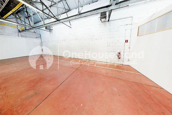 Photo d'une salle à louer à Molenbeek-Saint-Jean, Bruxelles, Dans l'entrepôt de Pierre - Salle 1 + Salle 2 + Le bar 10997