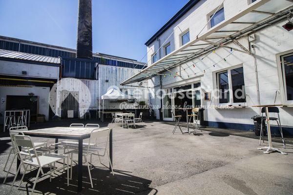 Photo d'une salle à louer à Molenbeek-Saint-Jean, Bruxelles, Dans l'entrepôt de Pierre - Salle 1 + Salle 2 + Le bar 11001