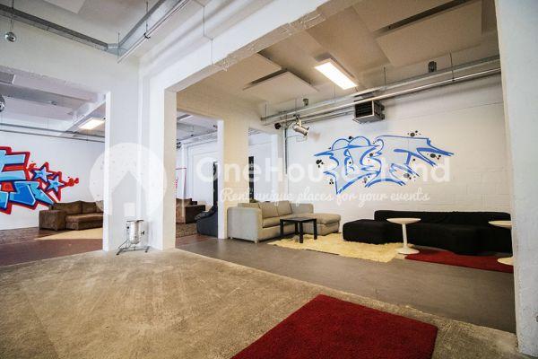 Photo d'une salle à louer à Molenbeek-Saint-Jean, Bruxelles, Dans l'entrepôt de Pierre - Salle 1 + Salle 2 + Le bar 11016