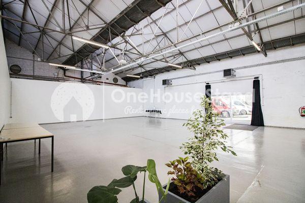 Photo d'une salle à louer à Molenbeek-Saint-Jean, Bruxelles, Dans l'entrepôt de Pierre - Salle 1 + Salle 2 + Le bar 11019