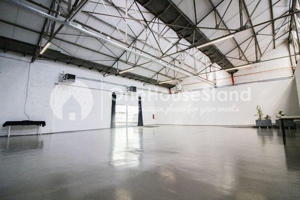 Photo d'une salle à louer à Molenbeek-Saint-Jean, Bruxelles, Dans l'entrepôt de Pierre - Salle 1 + Salle 2 + Le bar 11020