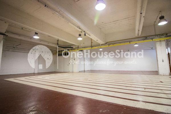 Photo d'une salle à louer à Molenbeek-Saint-Jean, Bruxelles, Dans l'entrepôt de Pierre - Salle 3 + Salle 4 + Le bar 11123