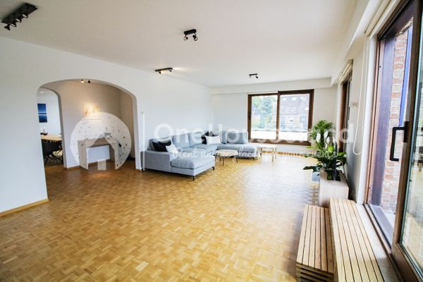 Picture of an event venue rental in Elsene, Brussels, Inside Jess & Sebastien's penthouse 11312