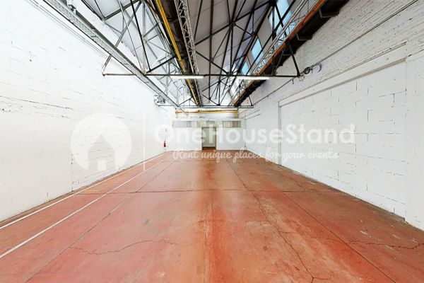 Picture of an event venue rental in Molenbeek-Saint-Jean, Brussels, Inside Pierre's warehouse - The whole space 11396