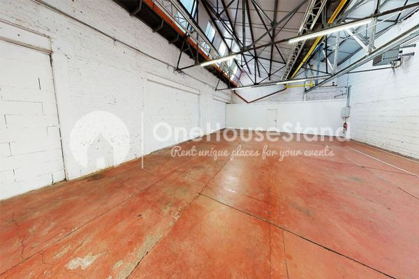 Picture of an event venue rental in Molenbeek-Saint-Jean, Brussels, Inside Pierre's warehouse - The whole space 11399