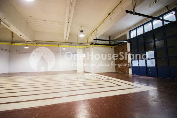 Picture of an event venue rental in Molenbeek-Saint-Jean, Brussels, Inside Pierre's warehouse - The whole space 11406