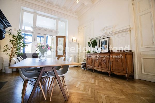 Photo d'une salle à louer à Brussel, Bruxelles, Dans la maison de Mia 11673