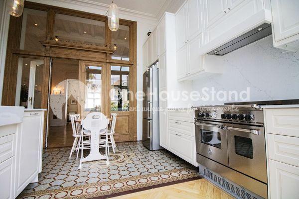 Photo d'une salle à louer à Brussel, Bruxelles, Dans la maison de Mia 11678