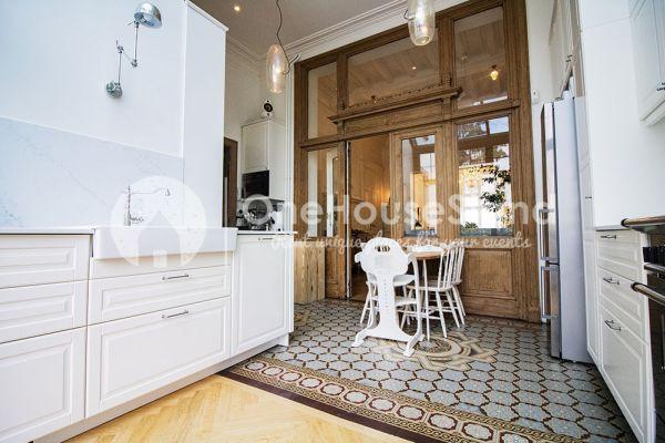 Photo d'une salle à louer à Brussel, Bruxelles, Dans la maison de Mia 11679