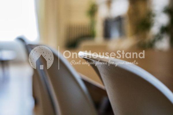 Photo d'une salle à louer à Brussel, Bruxelles, Dans la maison de Mia 11685