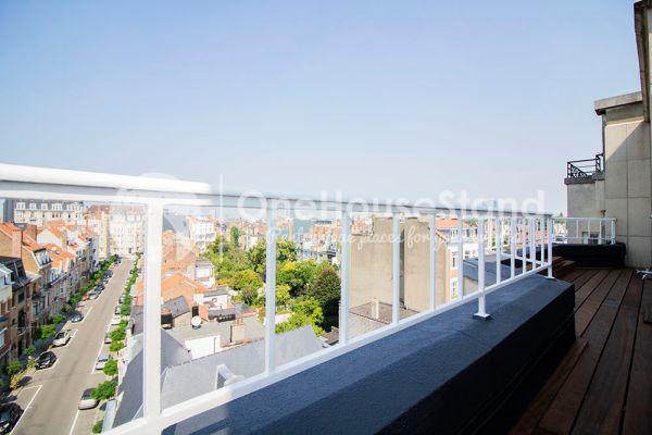 Photo d'une salle à louer à Elsene, Bruxelles, Dans le penthouse de Julien 12446