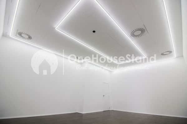 Picture of an event venue rental in Saint-Gilles, Brussels, Inside Rebecca's gallery 13263