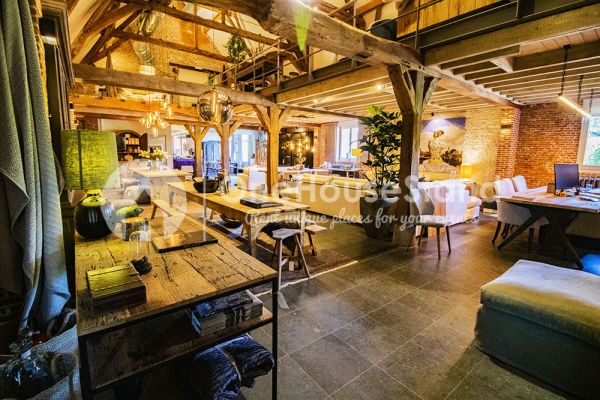 Picture of an event venue rental in Vremde, Antwerp, Inside Dirk's shop 14286