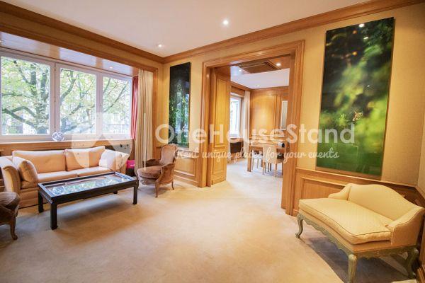 Photo d'une salle à louer à Elsene, Bruxelles, Dans l'espace lounge de John-Alexander 14506