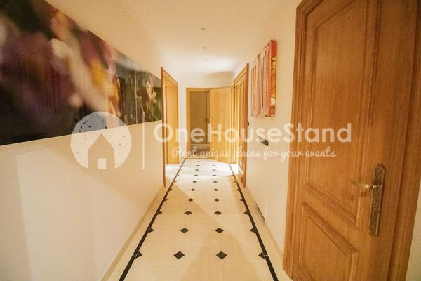 Picture of an event venue rental in Elsene, Brussels, Inside John-Alexander's lounge space 14537
