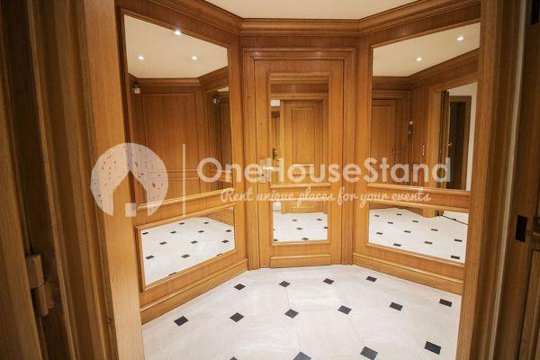 Photo d'une salle à louer à Elsene, Bruxelles, Dans l'espace lounge de John-Alexander 14549