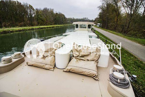Picture of an event venue rental in Malines, Antwerp, Inside Tom's houseboat 15280