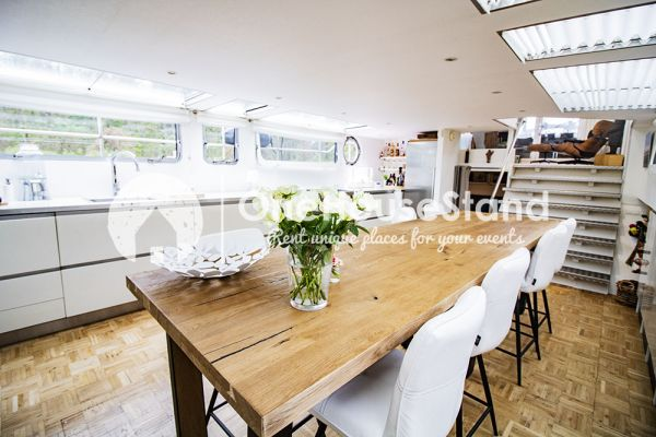 Picture of an event venue rental in Malines, Antwerp, Inside Tom's houseboat 15296