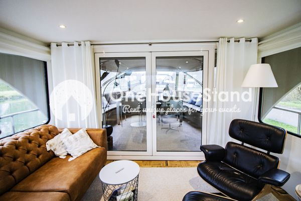 Picture of an event venue rental in Malines, Antwerp, Inside Tom's houseboat 15312