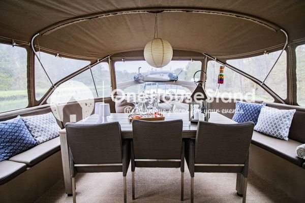 Picture of an event venue rental in Malines, Antwerp, Inside Tom's houseboat 15314