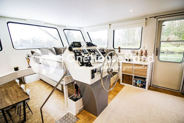 Picture of an event venue rental in Malines, Antwerp, Inside Tom's houseboat 15325