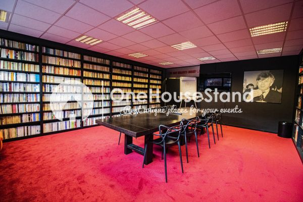 Picture of an event venue rental in Uccle, Brussels, Inside John-Alexander's (2) meeting room 16397