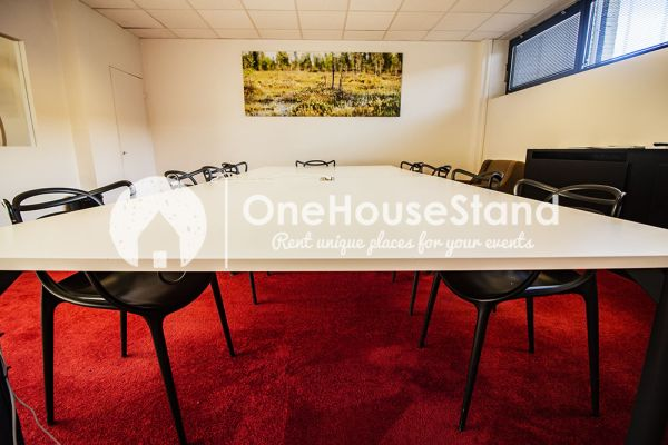 Picture of an event venue rental in Uccle, Brussels, Inside John-Alexander's (3) meeting room 16482