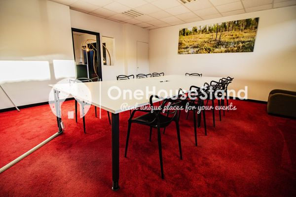 Picture of an event venue rental in Uccle, Brussels, Inside John-Alexander's (3) meeting room 16483