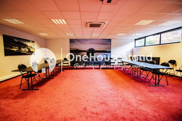 Picture of an event venue rental in Uccle, Brussels, Inside John-Alexander's (4) meeting room 16516