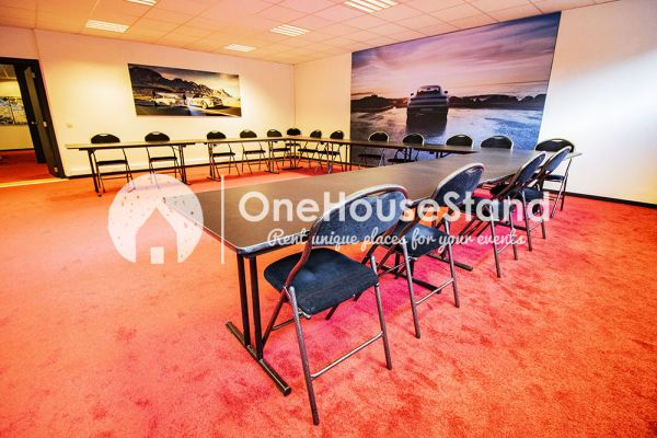 Picture of an event venue rental in Uccle, Brussels, Inside John-Alexander's (4) meeting room 16518