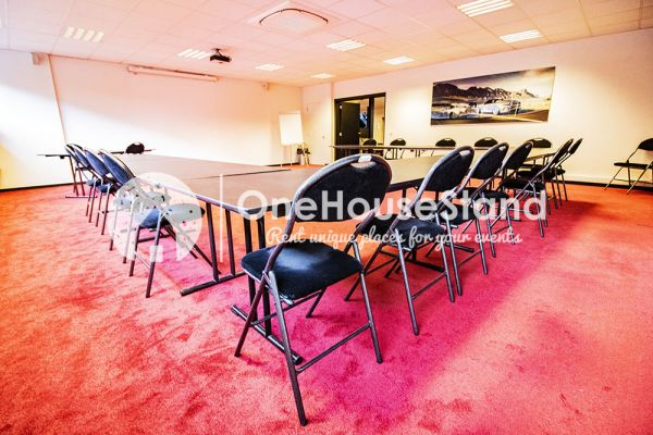 Picture of an event venue rental in Uccle, Brussels, Inside John-Alexander's (4) meeting room 16519