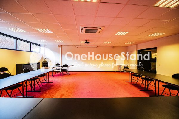 Picture of an event venue rental in Uccle, Brussels, Inside John-Alexander's (4) meeting room 16520