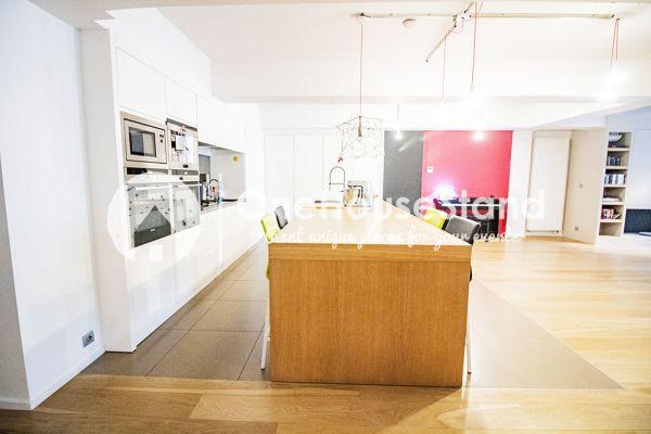 Photo d'une salle à louer à Molenbeek-Saint-Jean, Bruxelles, Dans le loft d'Elisa & Zino 18004