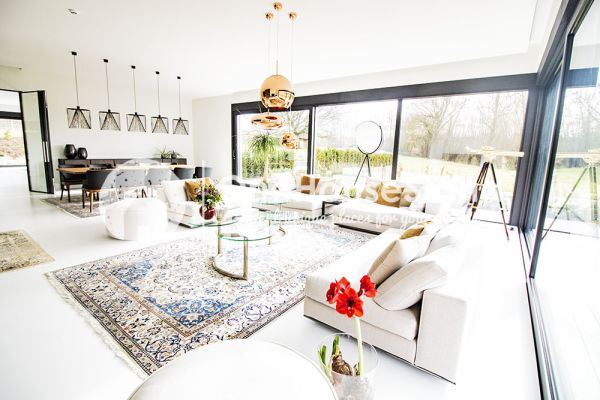Picture of an event venue rental in Onze-Lieve-Vrouw-Lombeek, Flemish Brabant, Inside Deaur's living room 18104